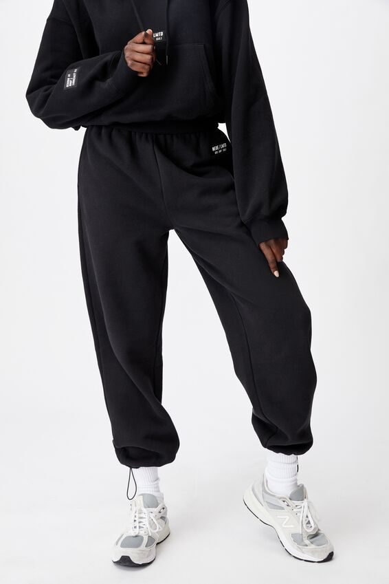 Athluxe Slouchly Toggle Hem Track Pant, BLACK