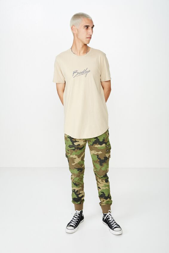 Curved Graphic T Shirt, ALMOND/BROOKLYN BRUSH