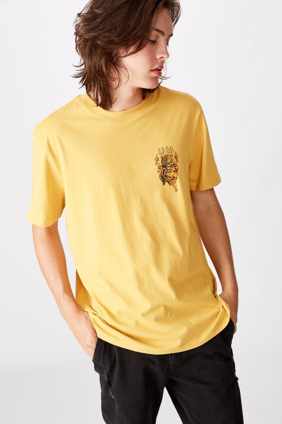 Regular Graphic T Shirt, CHEDDAR/FEAR NONE