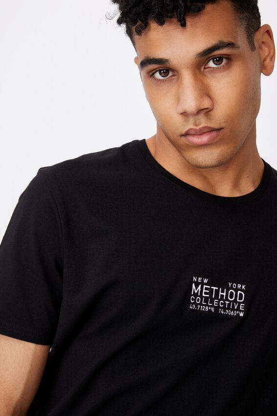 Curved Graphic T Shirt, BLACK/METHOD COLLECTIVE