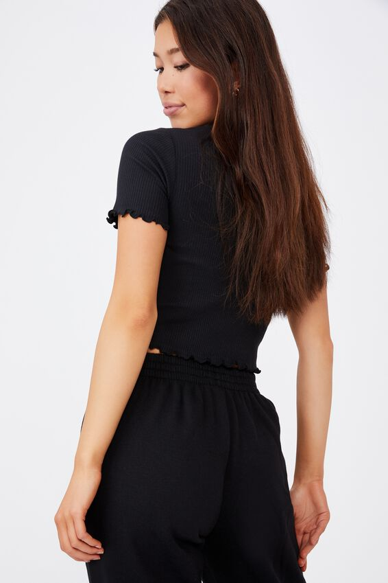 Short Sleeve Lettuce Edge Detail Top, BLACK