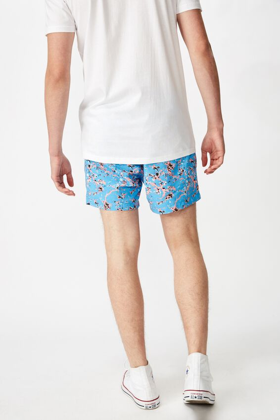 Resort Short, CRACKLE