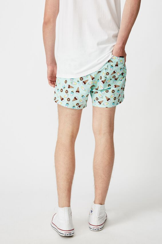 Resort Short, DONUTS