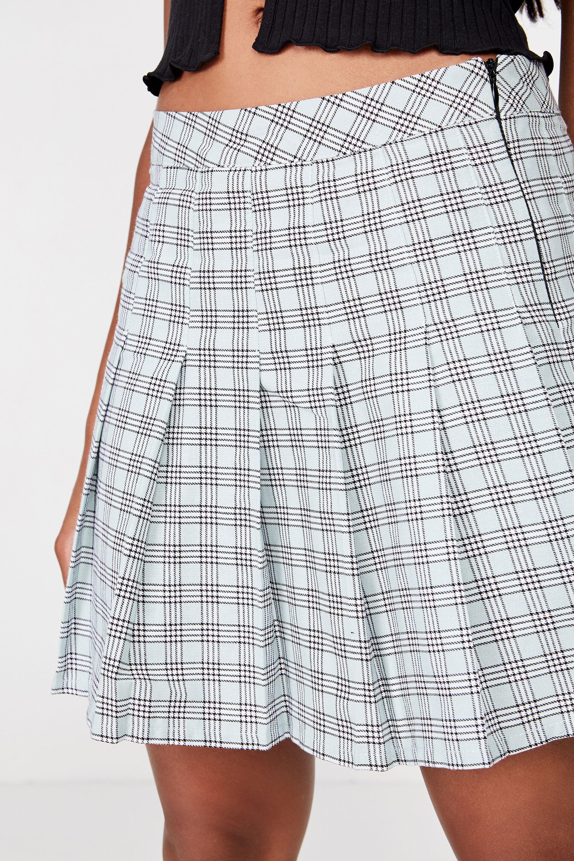 Utube up skirt