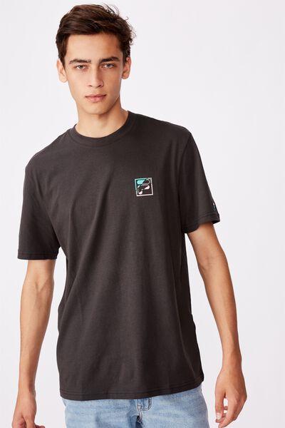 Fila Lcn Regular Graphic T Shirt, PIRATE BLACK/RIP BOX