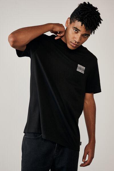 Regular Pop Culture T Shirt, LCN PAD BLACK/PARENTAL ADVISORY SIDE