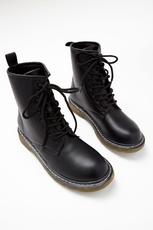 Girls Shoes l Slides, Boots, Flip Flops