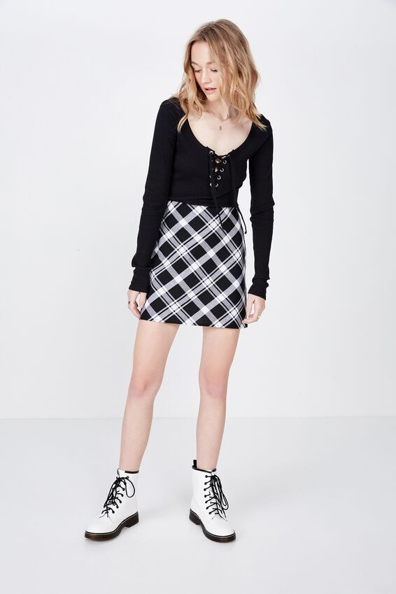 Long Sleeve Laced Up Top, BLACK